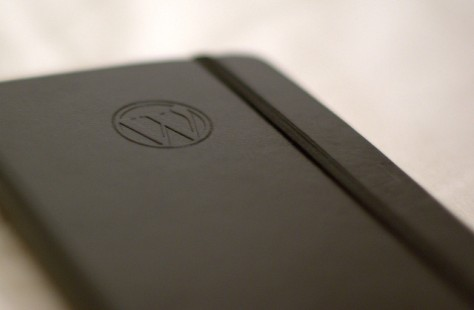 Cómo crear tu blog profesional con WordPress desde cero | IMAGEN WordPress Moleskine notebook by Nikolay Bachiyski