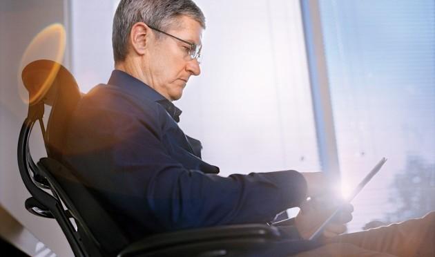 Tim Cook, CEO de Apple, manifiesta públicamente ser gay